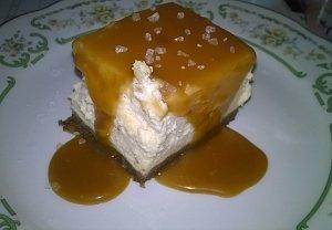 Karamelové cheesecake řezy