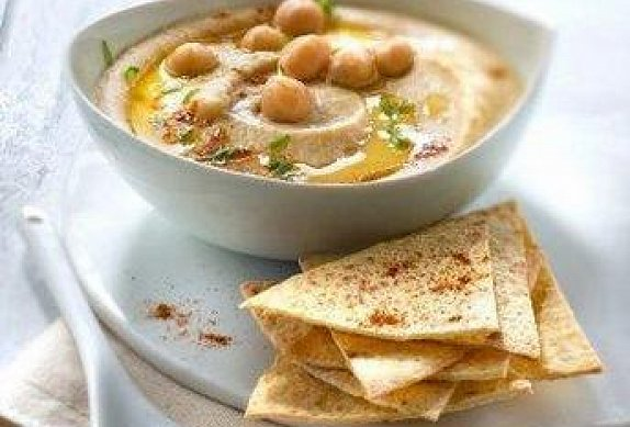 Hummus s grilovanými tortillami photo-0