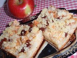Podzimní jablečný (hruškový) koláč s drobenkou