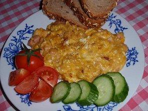 Míchaná vejce (nejen) s romadůrem nebo tvarůžky