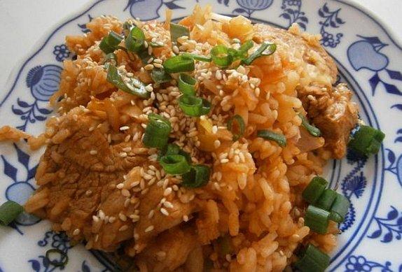 Pikantní vepřové se smaženou rýží photo-0