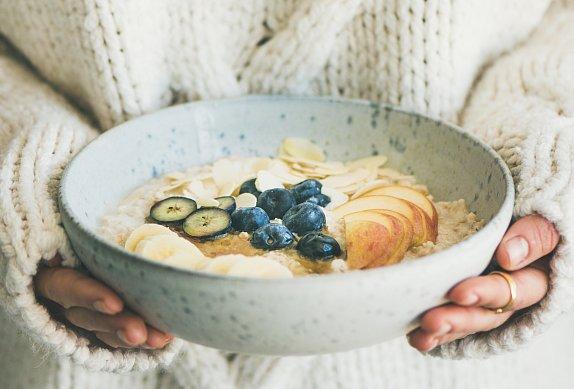 Ovesná kaše s vanilkou, mandlemi a javorovým sirupem