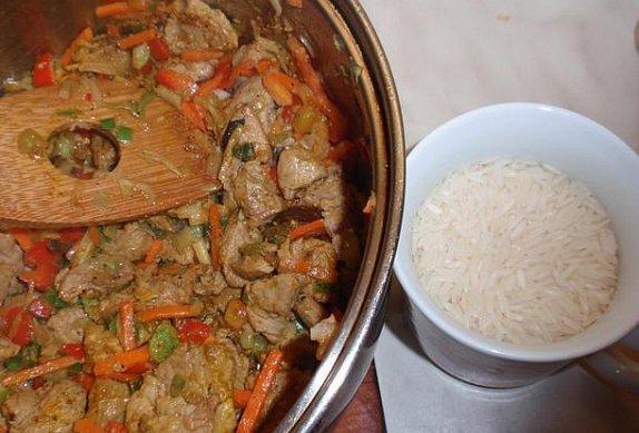 Masovo-zeleninová rýže