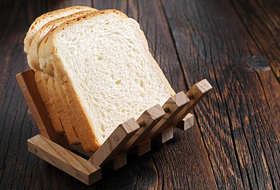 Toast se šunkou, cheddarem a pestem aneb Croque monsieur