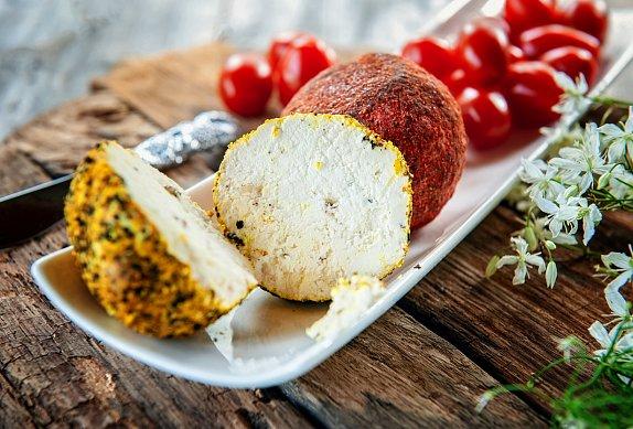 Ochucené kuličky z kozího sýra