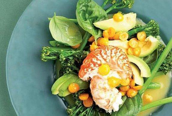 Krevetový salát s křenovým máslem