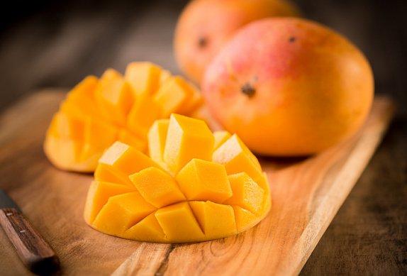 Mangový dort s kokosem