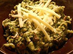 Těstoviny se špenátem a masem