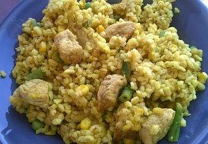 Kari bulgur se zeleninou a kuřecím