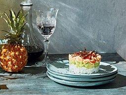 Sushi dortík s lososem a avokádem