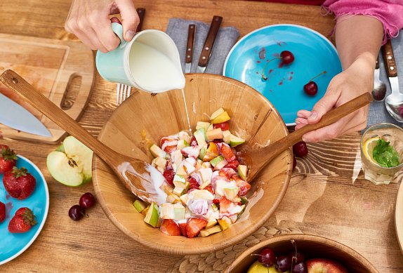 Ovocný salát s jogurtem