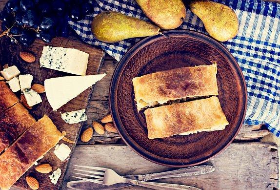 Slaný štrúdl s hruškami a gorgonzolou
