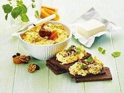 Lučinová pomazánka s mrkví, ořechy a ovocem