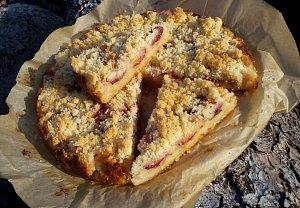 Rohlíkový ovocný koláč aneb, když žemlovka už nebaví