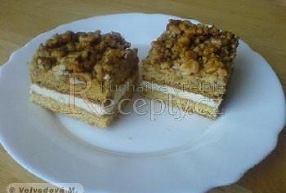Ořechové řezy medové