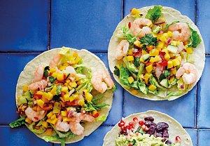 Tacos s krevetami a mangovou pikantní salsou
