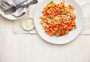 Těstoviny s rajčaty a vodkou