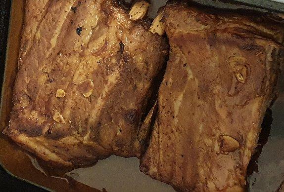Vepřová žebra s medovou-chilli marinádou