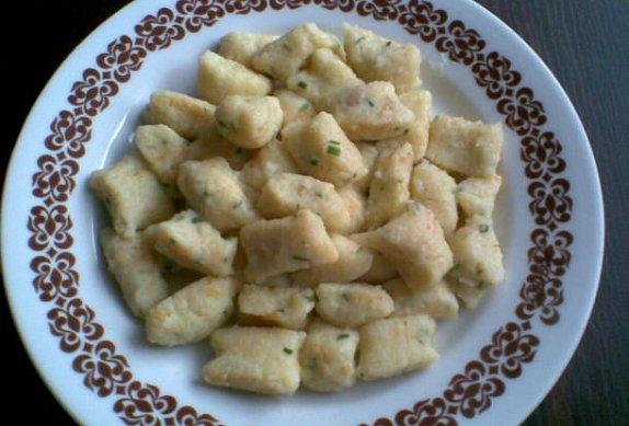Barevné bramborové knedlíky (noky)