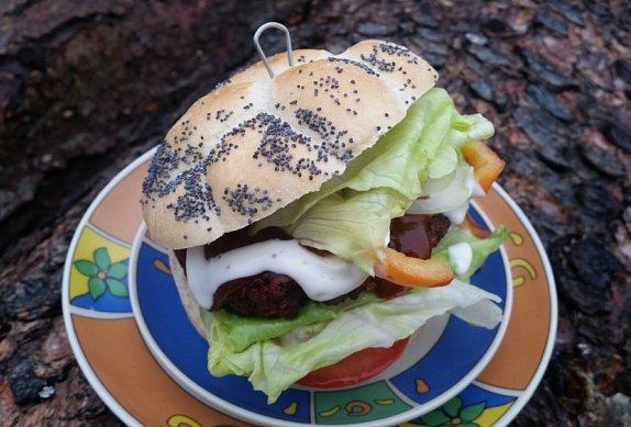 Burgery nebo karbanátky z červené řepy
