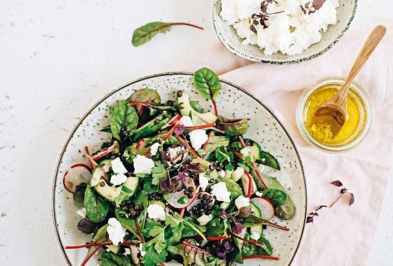 Čočkový salát s ředkvičkami a fetou