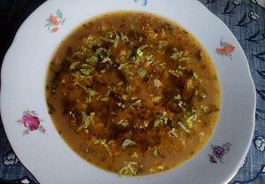 Houbovo-zeleninová polévka s drožďovou zavářkou