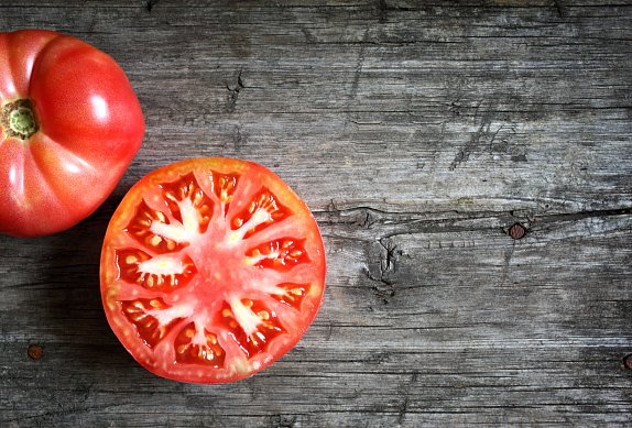 Králík s rajčaty a tymiánem