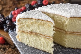 Co s vybouleným dortem