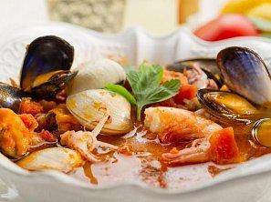 "Italská rybí polévka ""caciucco"""