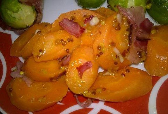 Hořčičná pečená mrkev