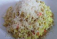 Krabí tyčinky na kari s rýží