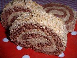 Ořechová roláda s piškotovo-kávovou náplní