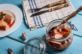 Recept na domácí utopence – postup přípravy, suroviny a více variant receptu