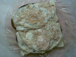Sýrové topinky s vejcem a křenem
