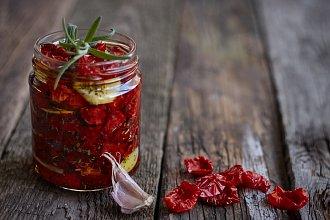 Recept na nakládaná a sušená rajčata – postup přípravy, suroviny a více variant receptu