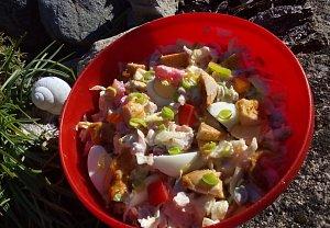 Kuřecí salát se zeleninou a vejci