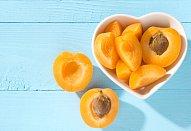 Meruňkové knedlíky z pařeného těsta