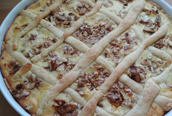 Tvarohový koláč s ořechy