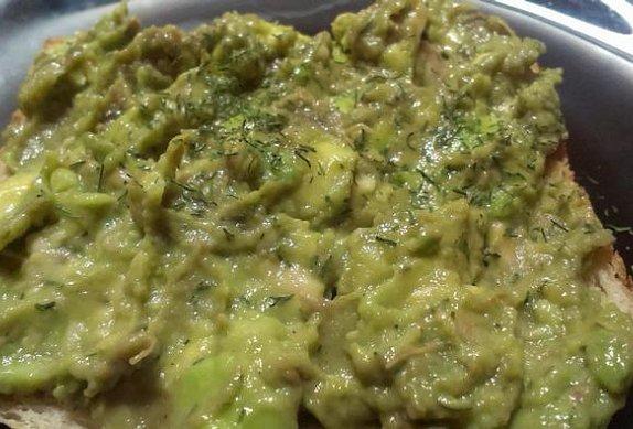 Pikantní pomazánka z avokáda