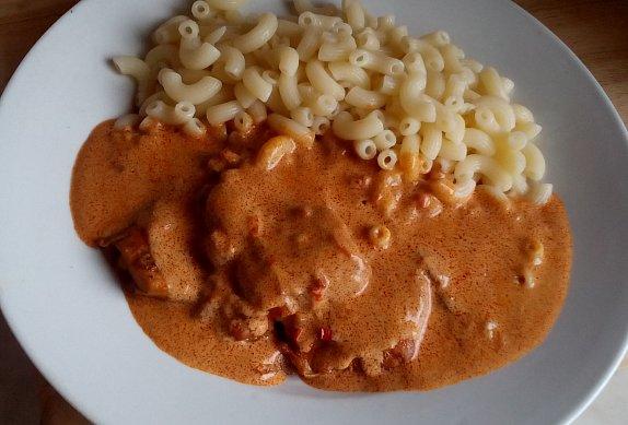 Kuřecí řízky na paprikách - paprikáš
