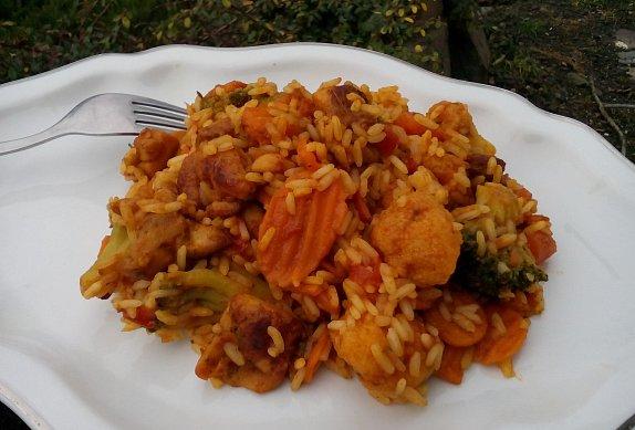 Kuřecí kari se zeleninou a rýží photo-0