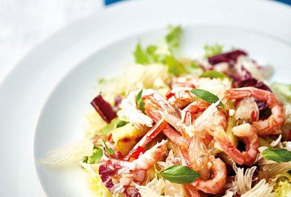 Salát z grilovaných krevet s pomelem
