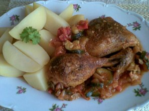 Provensálské kuřecí paličky s cuketou