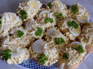 Rychlá vajíčková pomazánka s pomazánkovým máslem
