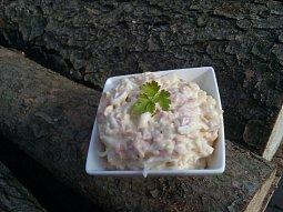Hermelínový salát se smetanou
