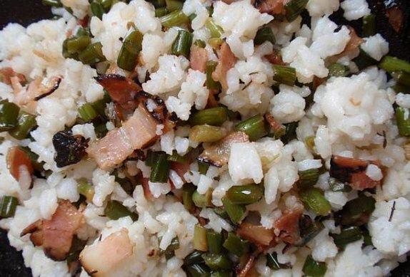 Česnekové výhonky s rýží