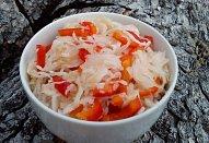 Zelný salát (nejen) s paprikou