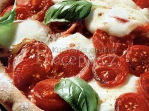 Rajčatová pizza
