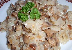 Bylinkovo-houbové těstoviny na slanině (špeku)