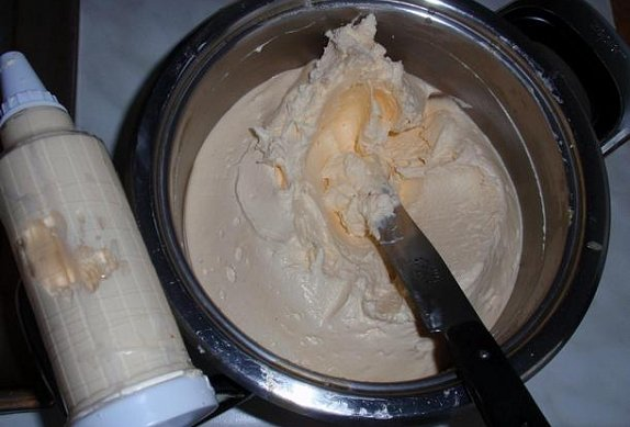 Vařený krém na dorty, řezy, cukroví